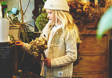 18/19 A/W Kids' Knitwear -- Stitch