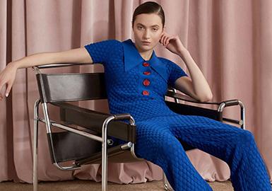 2018 Pre-Fall Women's Catwalk -- Knitwear