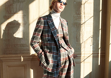 18/19 A/W Women' s Suit -- Silhouette Trend