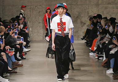 18/19 A/W Men's Catwalk -- New York
