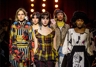 18/19 A/W Womenswear -- Innovative Patterns