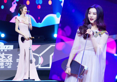 Female Stars Shine at the Young Choice Ceremony