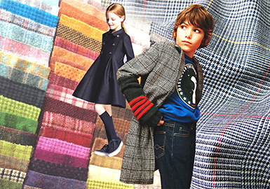 19/20 A/W Kid's Wool Coat -- Color Trend