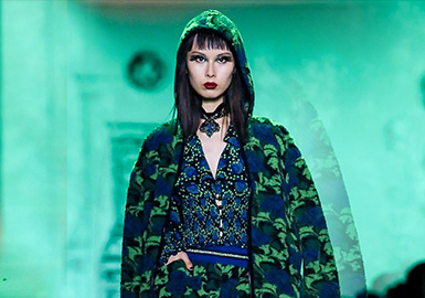 The Night Poppy -- The Catwalk Analysis of Anna Sui Womenswear