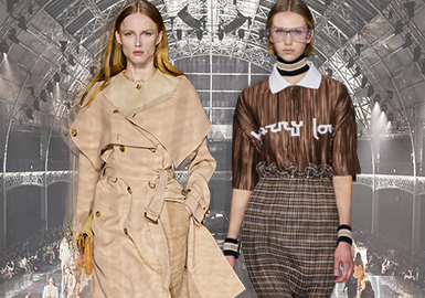 Memories -- The Catwalk Analysis of Burberry Womenswear
