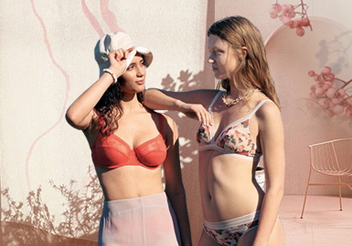 Home Vacation -- The Silhouette Trend for Women's Underwear Sets