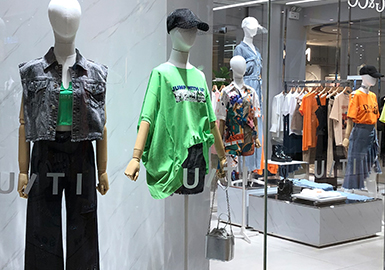 A Summer Vibe -- The Comprehensive Analysis of Womenswear Markets in Hangzhou