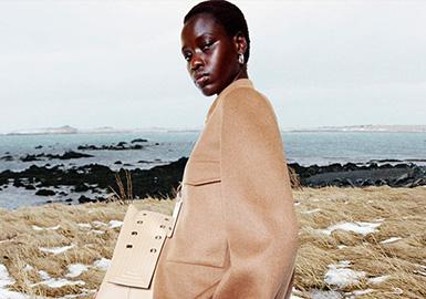 Balanced Minimalism -- The Catwalk Analysis of Jil Sander Womenswear