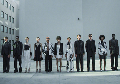 Building Dialogues -- The Catwalk Analysis of Emporio Armani Menswear