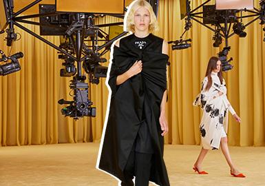 Dialogue -- The Catwalk Analysis of Prada Womenswear
