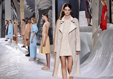 Reshaping Freedom -- The Catwalk Analysis of Hermes Womenswear