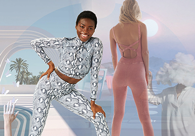 New Comfort -- The Silhouette Trend for Women's Yoga Wear