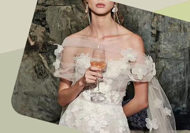New Expression -- The Detail Trend for Women's Wedding Dress