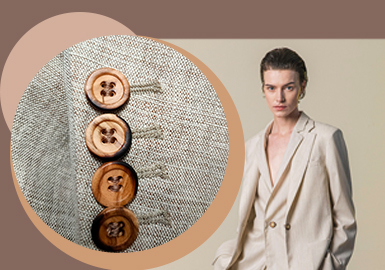 Unlock the Fashion -- Accessory Trend for A/W 22/23 Runways